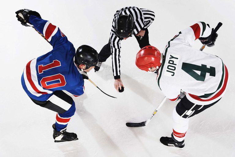 Hockey players at face off