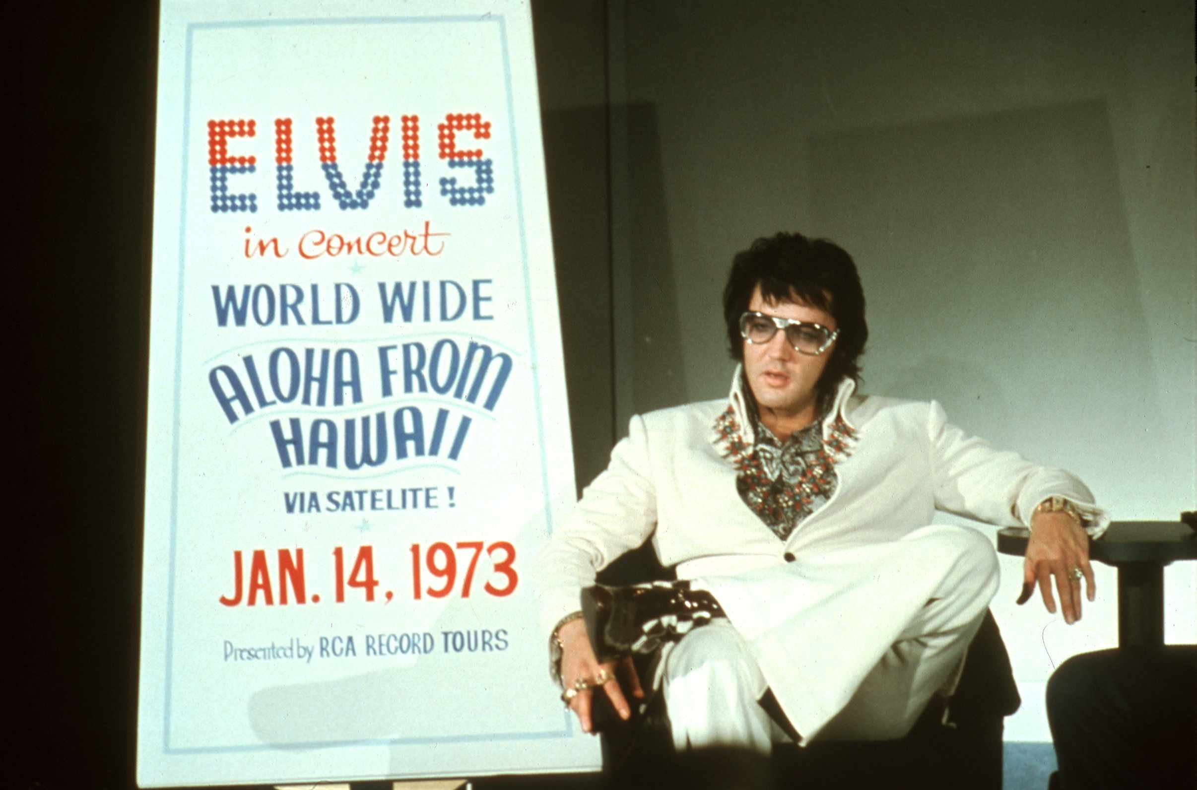 Elvis at Aloha From Hawaii Press Conference
