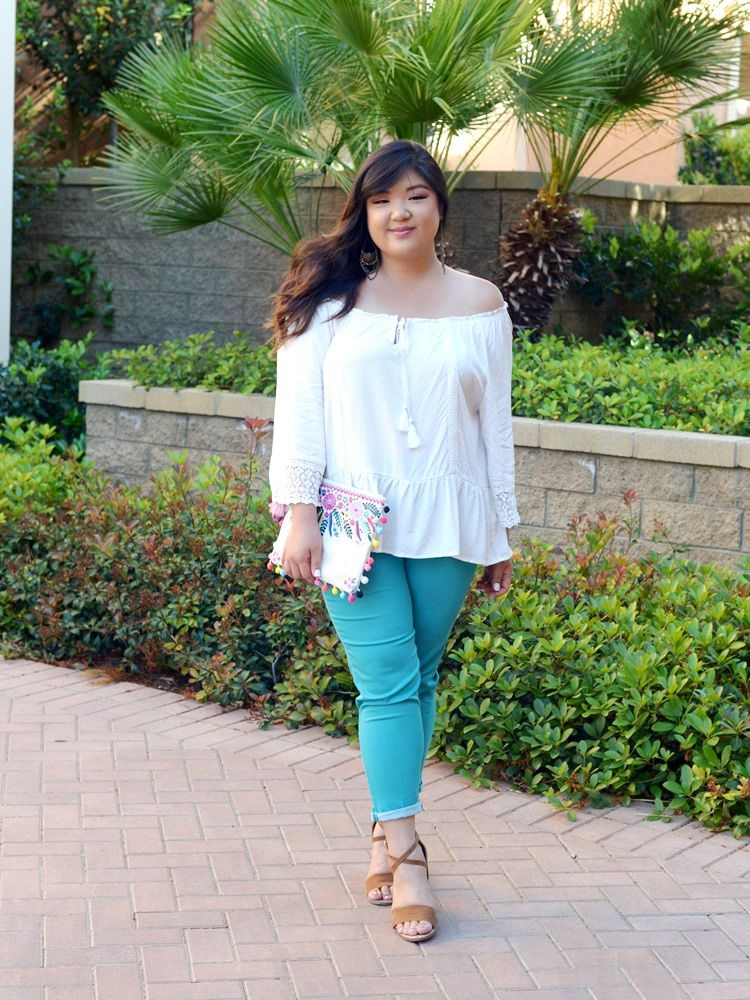 a7db9090691 14 Plus Size Jeans Outfits That Will Turn Heads