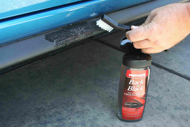 How to detail a car - treating trim
