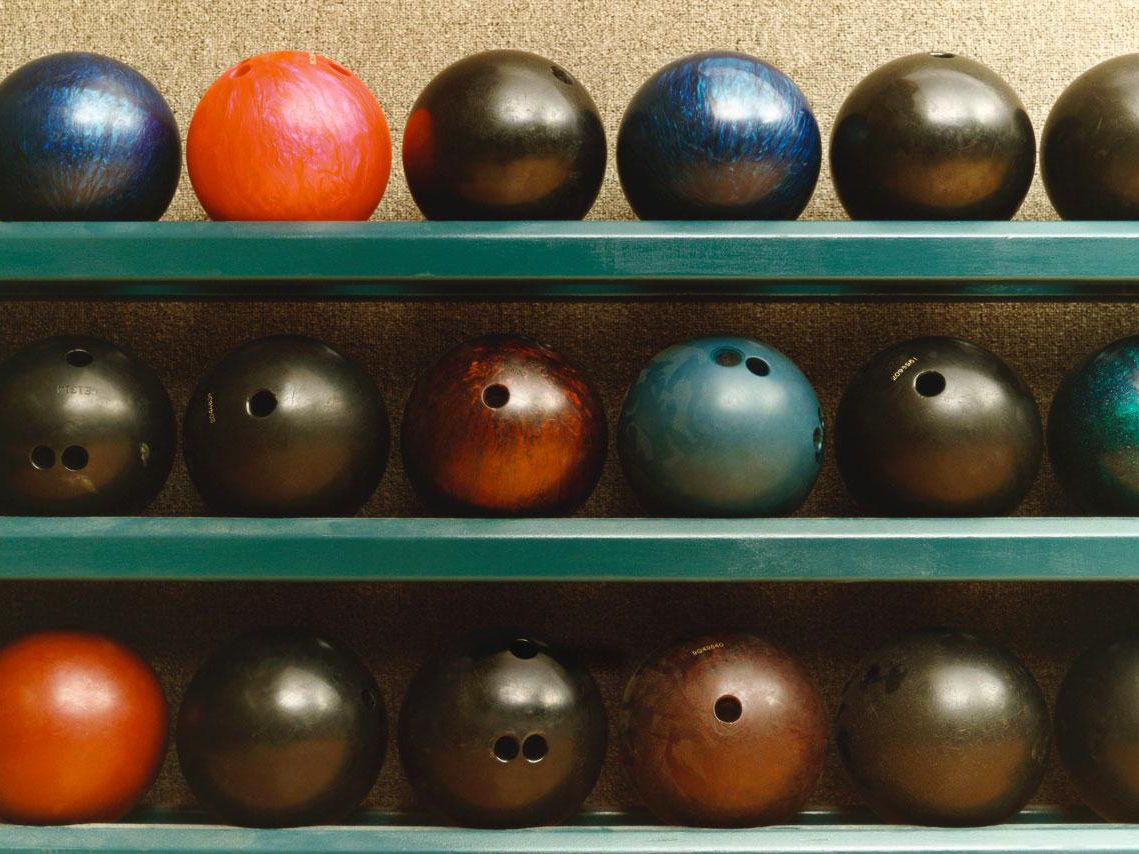 Pro Bowl Bowling Ball for Beginners and Professionals Polyester Ball