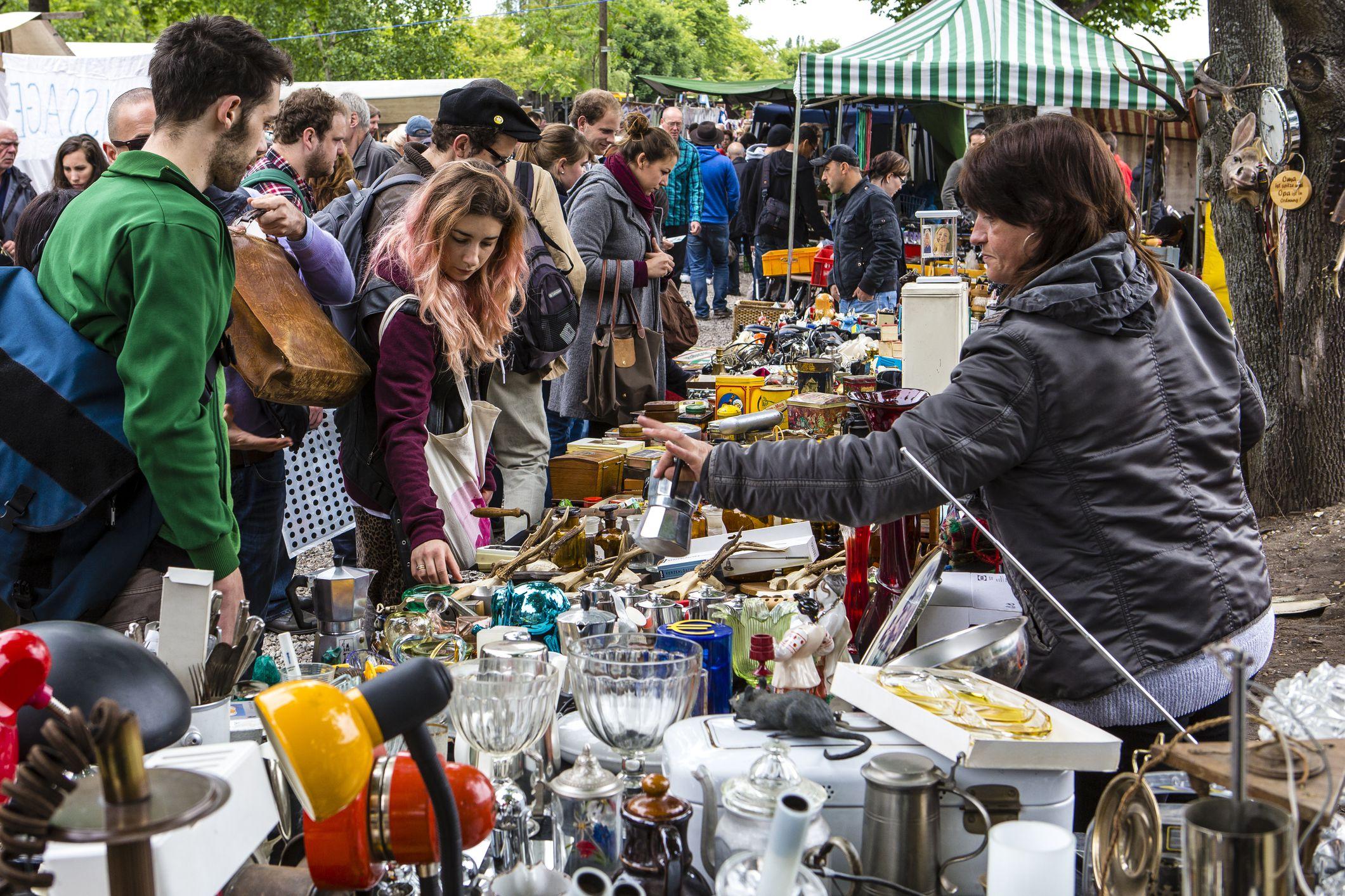Stall at Sunday flea market at Mauerpark