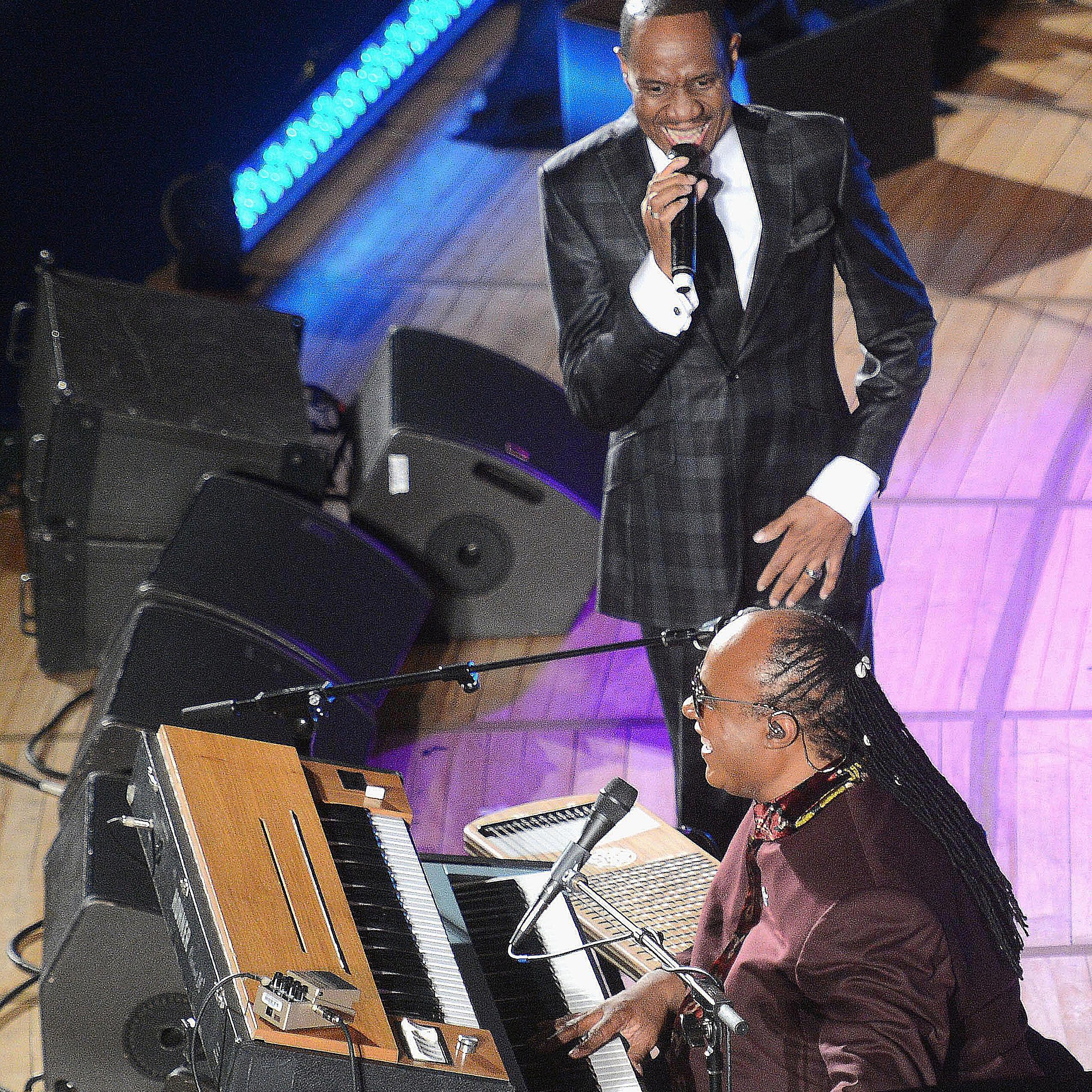 Freddie Jackson performs with Stevie Wonder
