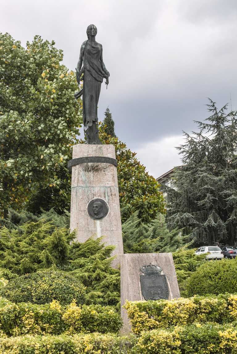 Monument to dictator Francisco Franco from 1975, obelisk with the goddess Hera, middle portrait of Franco was removed in 2015, Spanish square, Oviedo, Asturias province, Spain