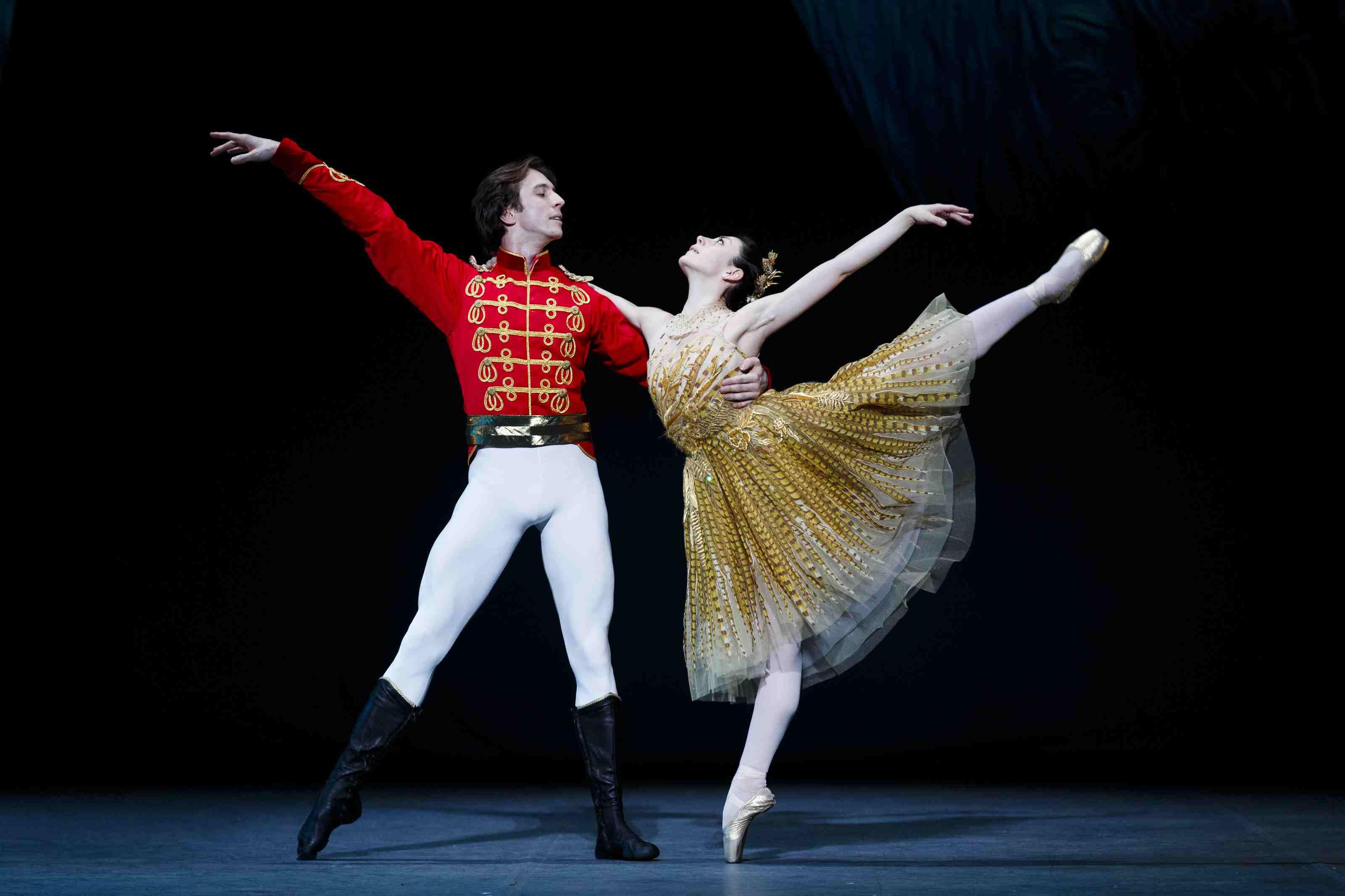 Maia Makhateli and Artur Shesterikov perform Cinderella