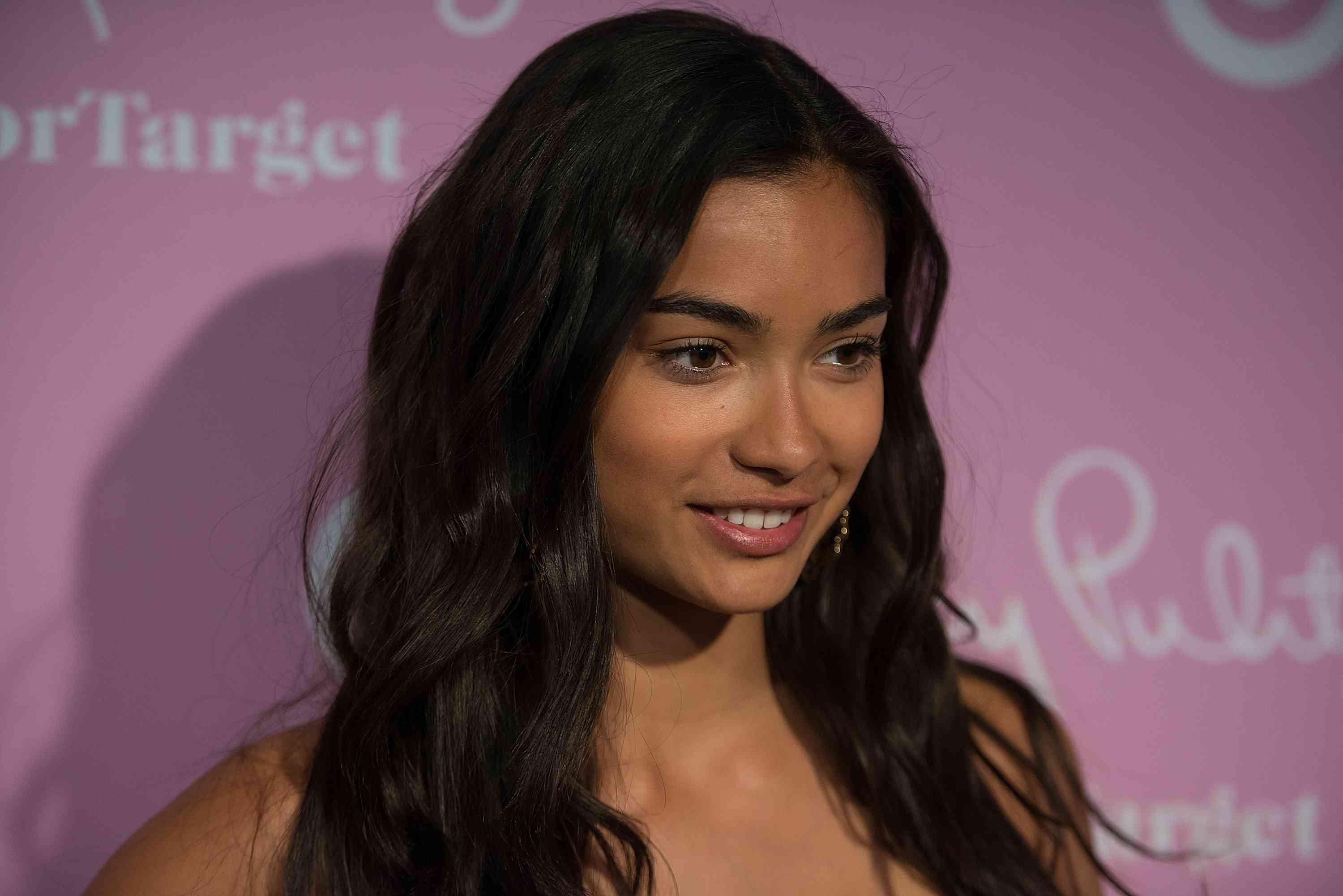 Kelly Gale at a red carpet event.