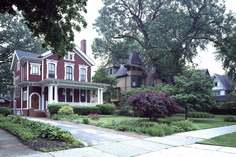 stately homes in an old growth neighborhood