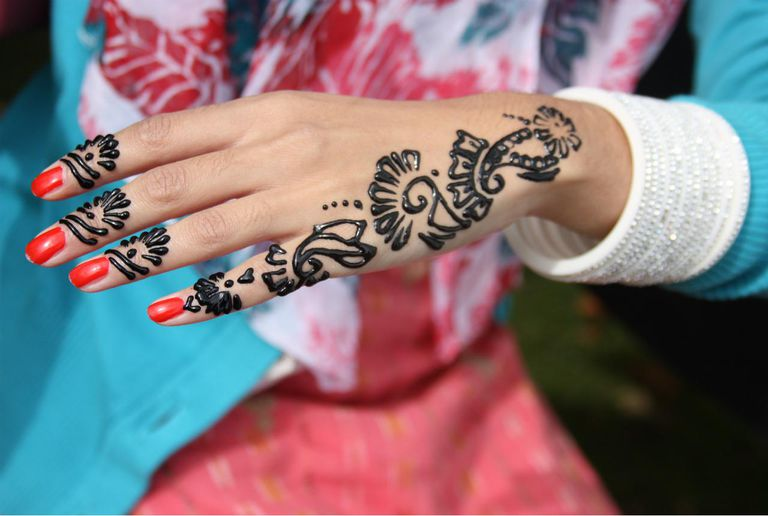 The Dangers Of Black Henna Tattoos