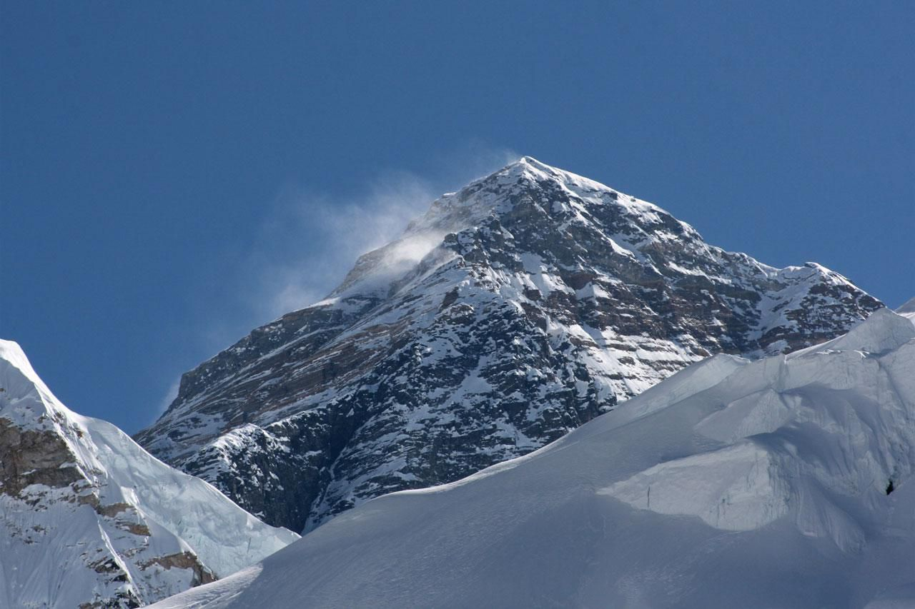 The Seven Summits: Each Continent's Highest Point on mckinley mountain, elbrus mountain, shishapangma mountain, everest mountain, hamilton mountain, aconcagua mountain,