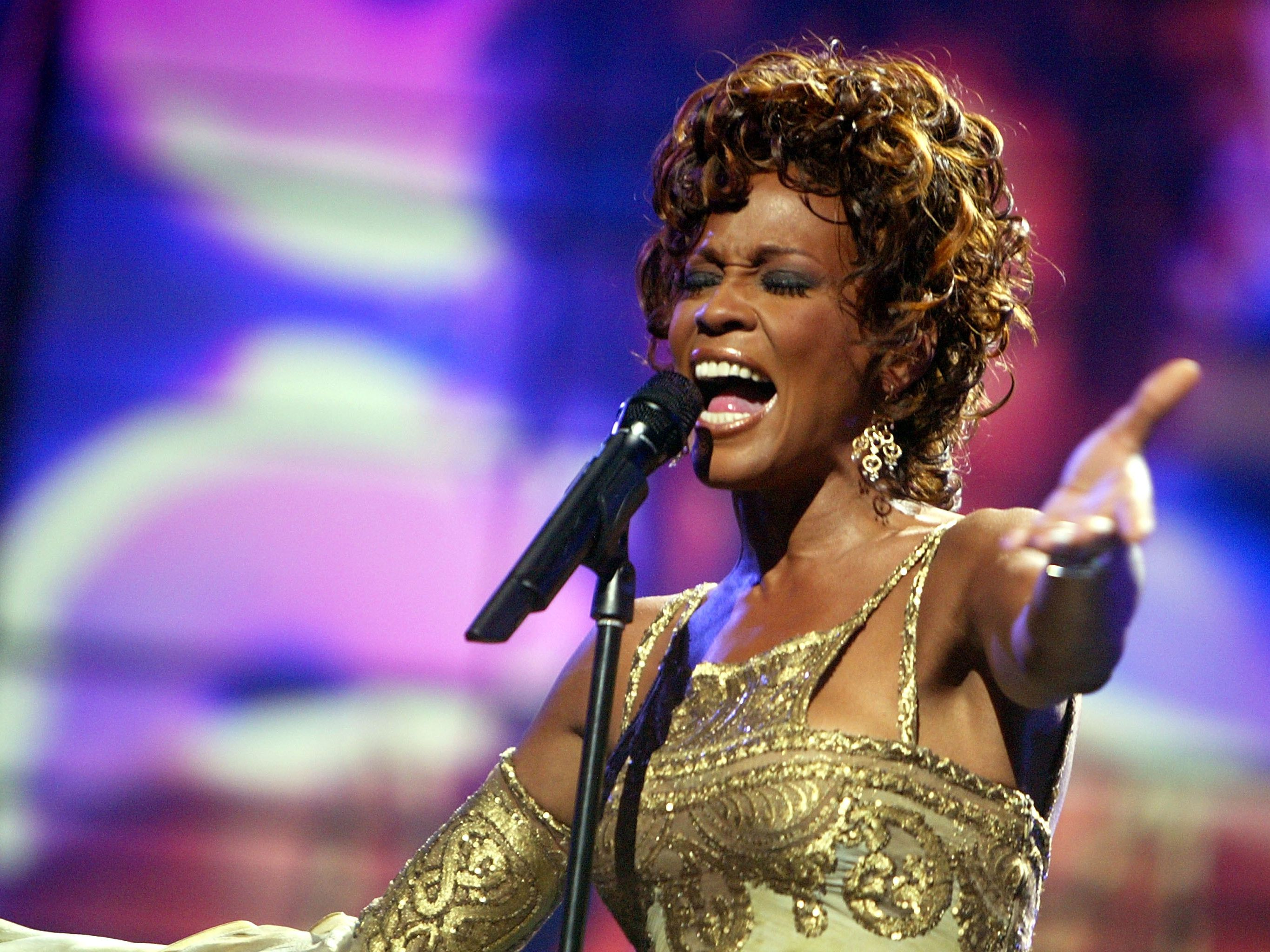 Whitney Houston - Biography and Career Details
