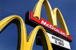 Image of a McDonald's Sign Announcing
