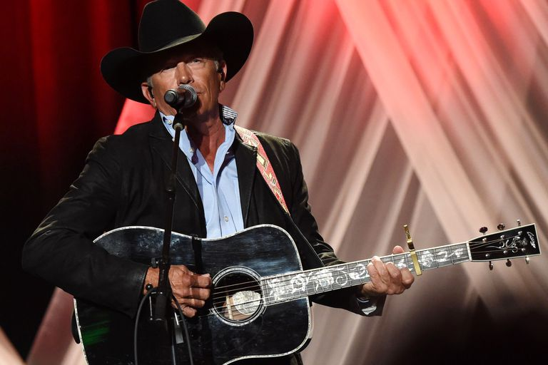 George Strait onstage at the 2017 Nashville Honors Gala Show