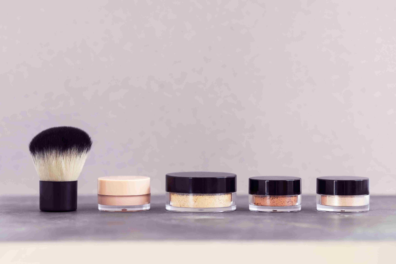 Mineral makeup cosmetics kit
