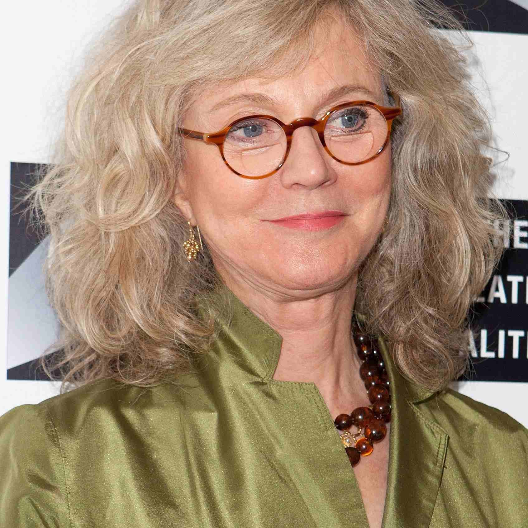 Medium Hairstyles For 50 Year Old Woman With Glasses