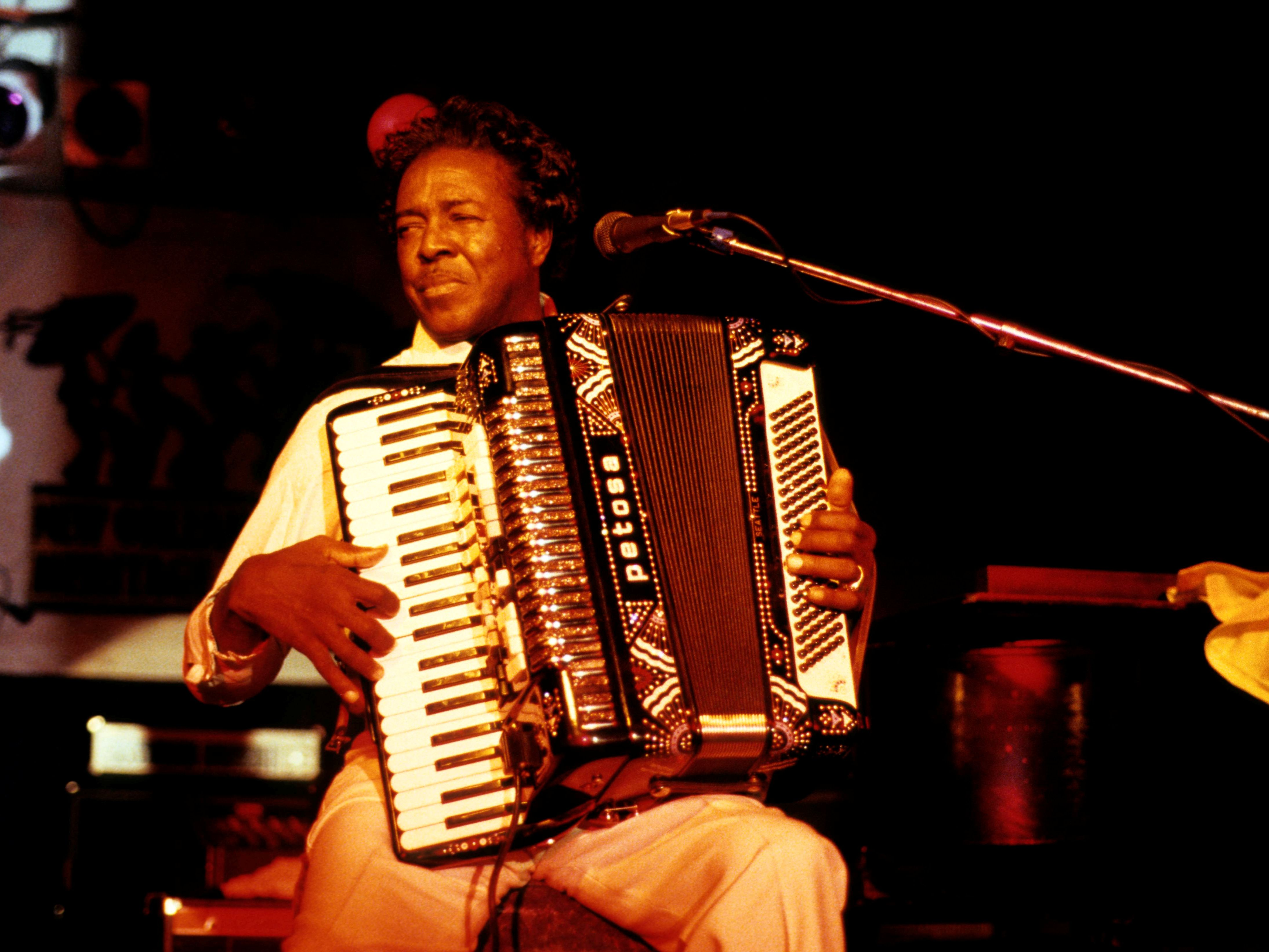 Difference Between Cajun Music and Zydeco