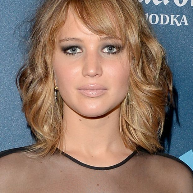 Jennifer Lawrence has a naturally round face