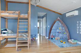 Interior of the DIY Blog Cabin 2016