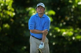 Tim Clark injures his elbow on the fifth tee during the final round of the 2015 Sony Open