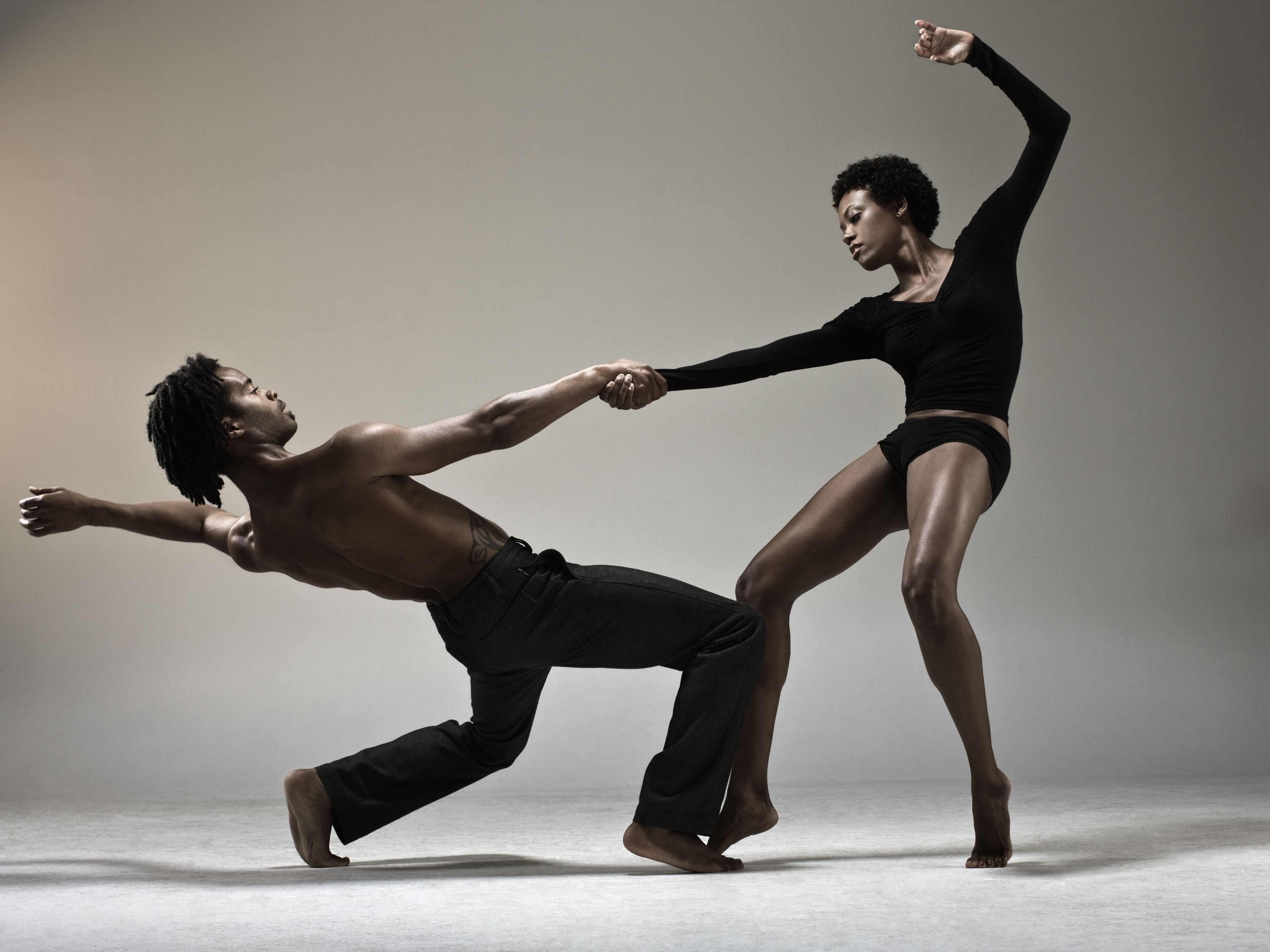 What Are The Characteristics Of Modern Dance