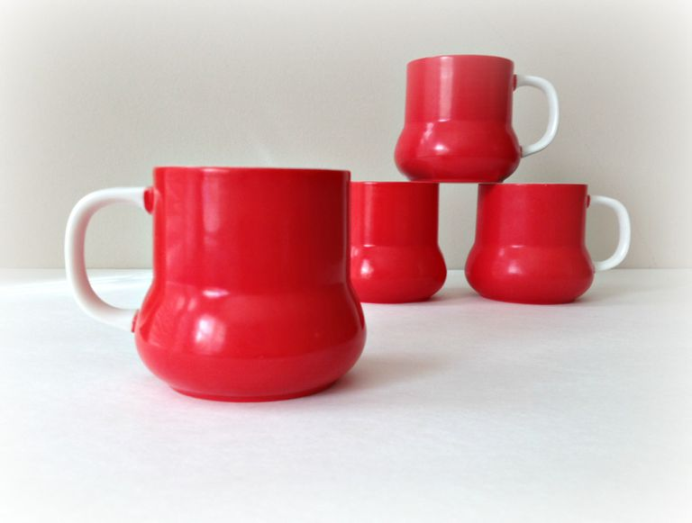 Red and white mid century mod Holt Howard mugs