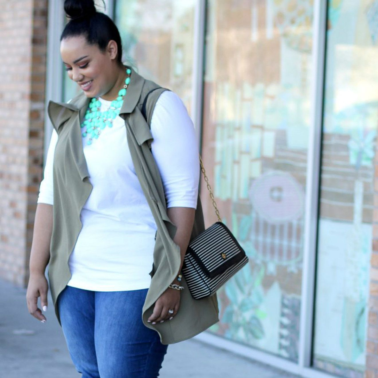 2a381bf02ab6 14 Plus Size Jeans Outfits That Will Turn Heads