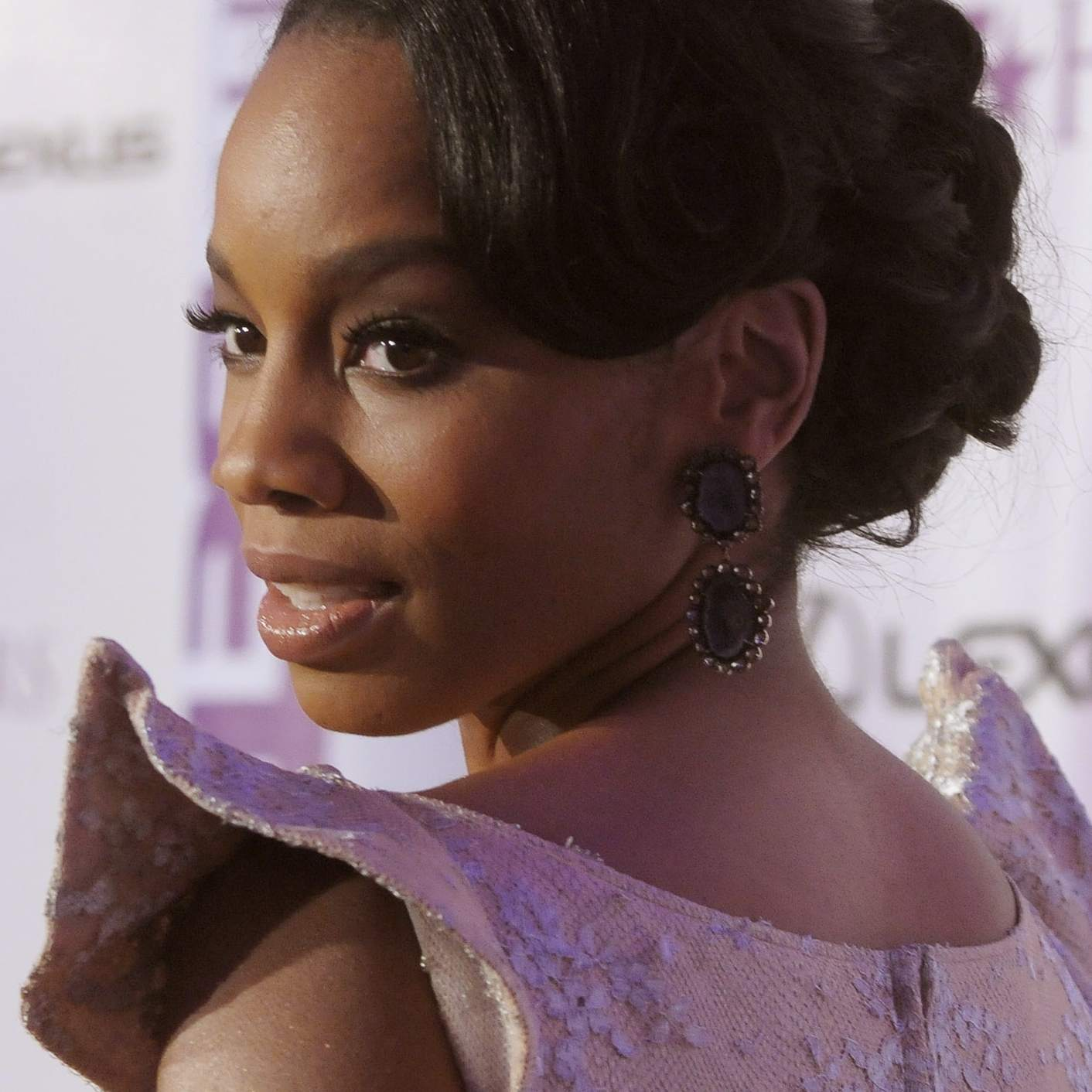 84de23f79772 Photos of Black Hairstyles for Prom