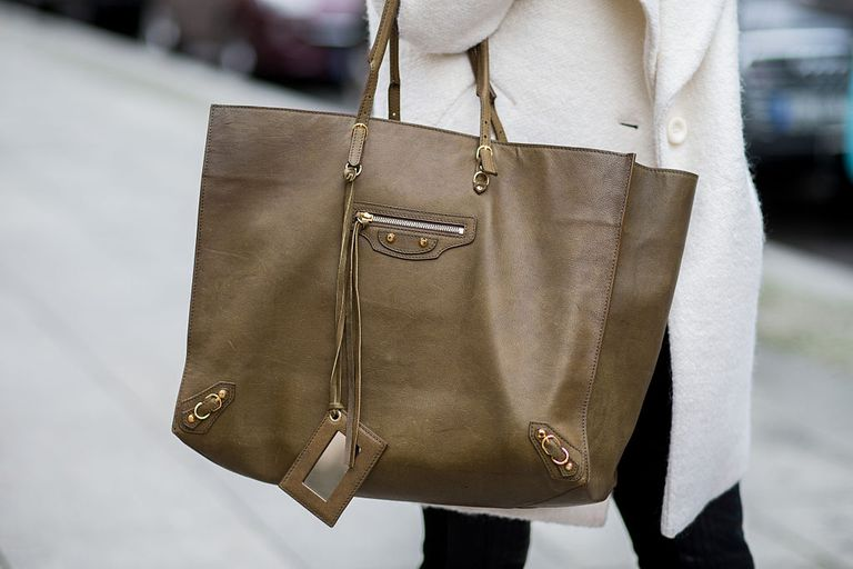 10 Reasons We Love Big Handbags and Purses d2959310ec25