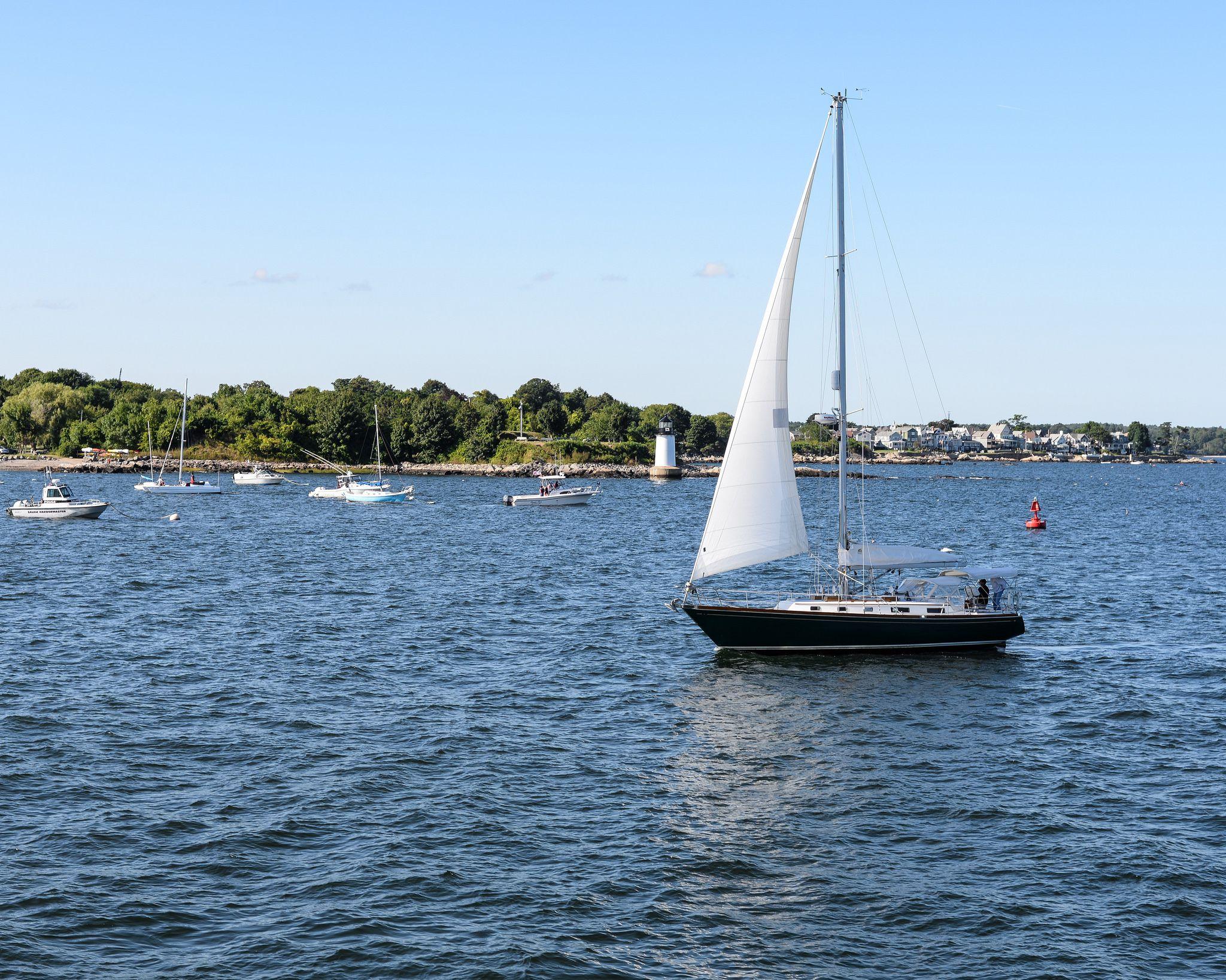 Choosing a Sloop or Ketch Sailboat