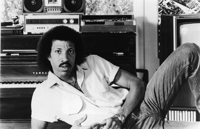 Top 7 Lionel Richie Songs of the '80s