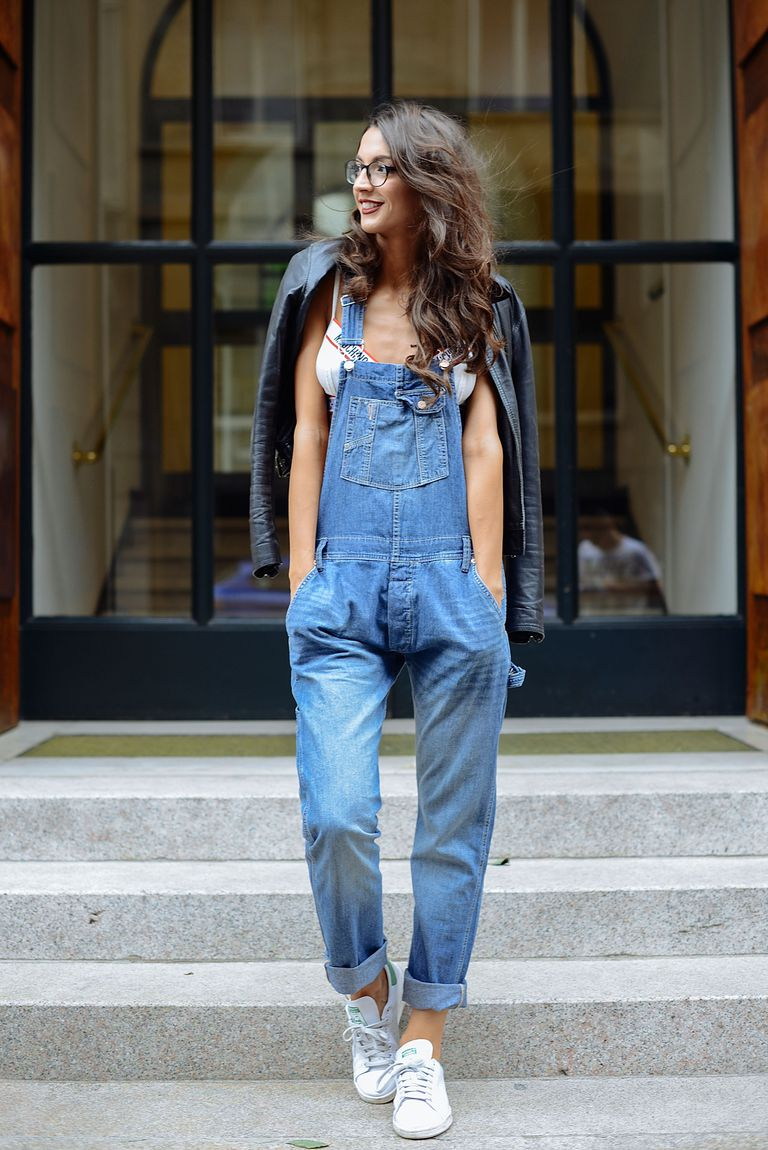 90bb5ff3334b Street Style - 10 Stylish Outfits in Denim Overalls