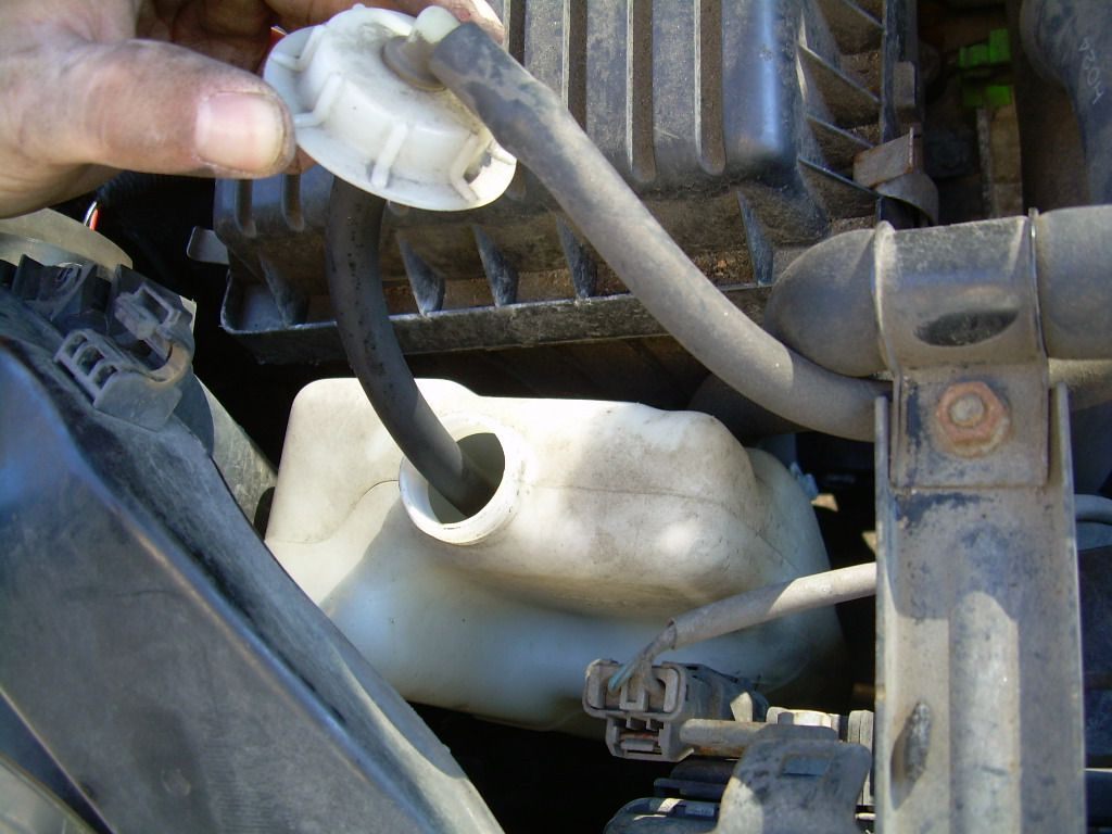 How to Flush a Car's Radiator to Change the Antifreeze