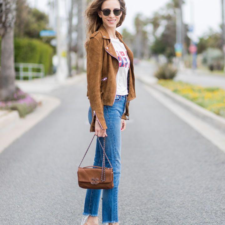 Street style in skinny raw hem jeans