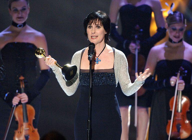 Enya performing at the 2006 World Music Awards