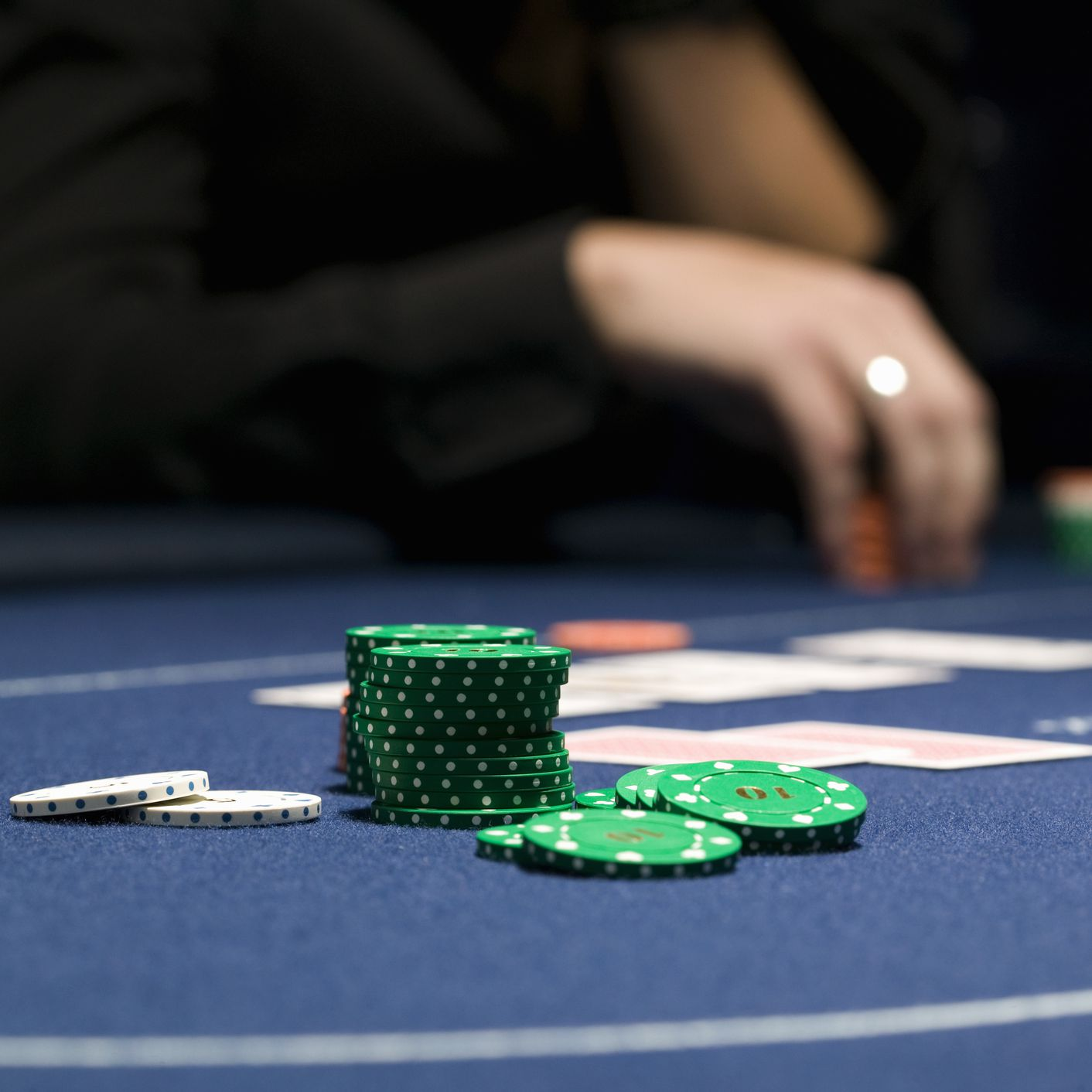 How to win at 2 4 limit poker betting online betting site reviews