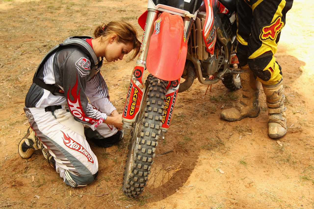 How to Ride a Motorcycle in the Dirt