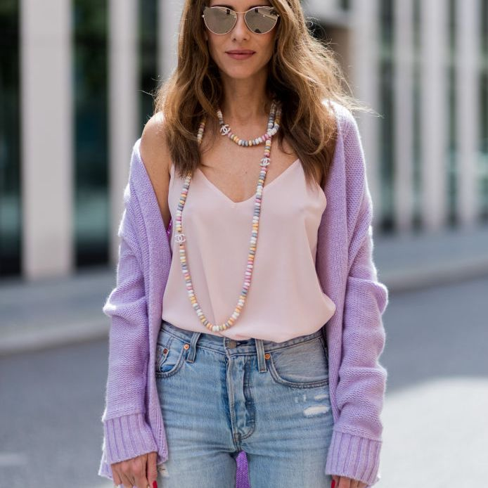 Street style jeans and sweater outfit