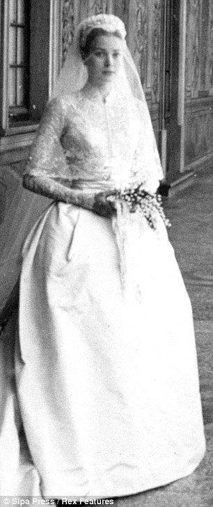 Grace Kelly in Helen Rose wedding dress