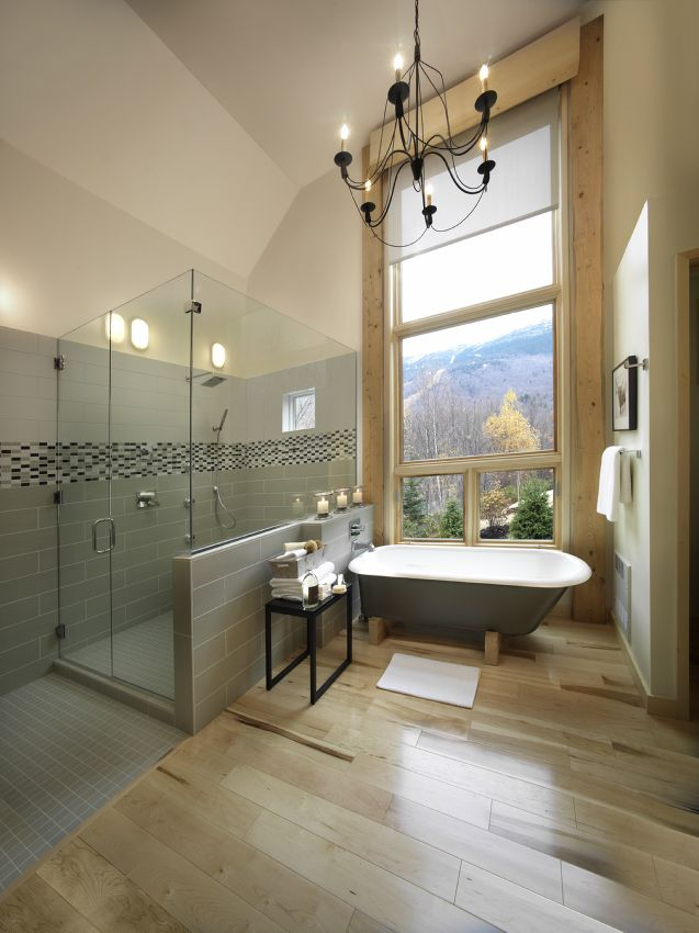 Photo of the Master Bath of the 2011 HGTV Dream Home.