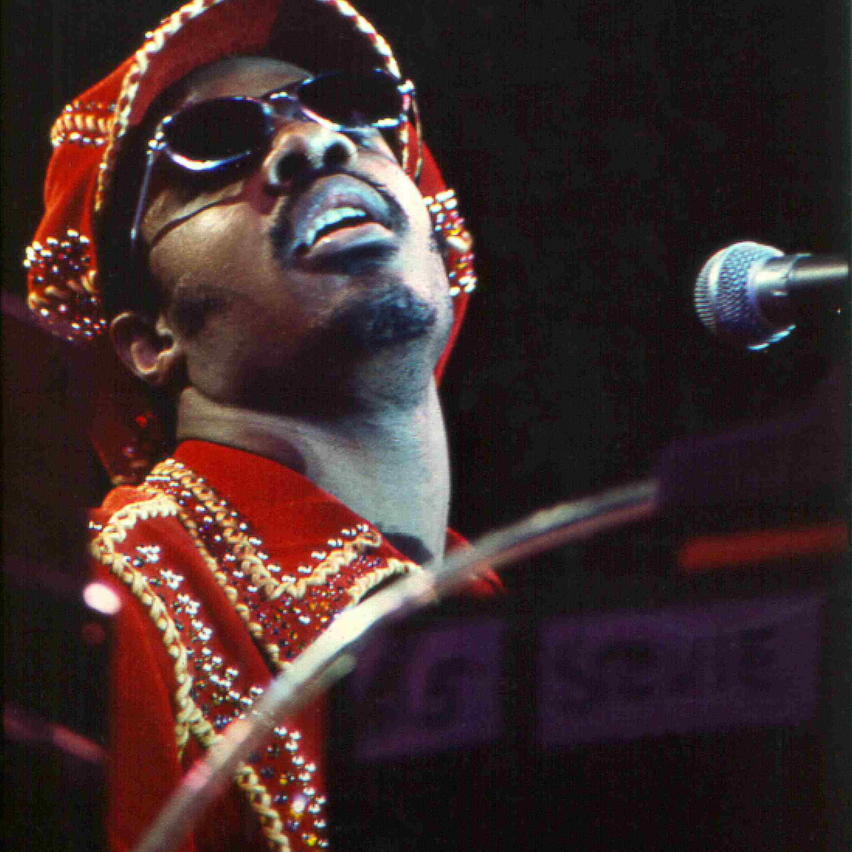 Stevie Wonder singing.