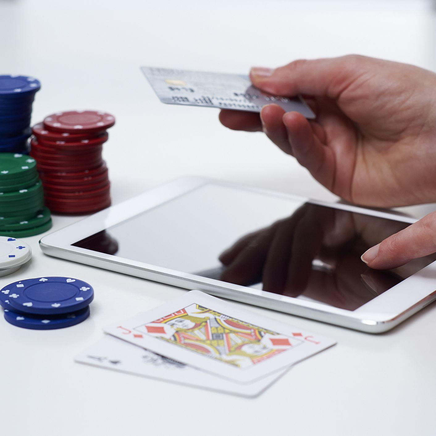 играть в казино в кредит