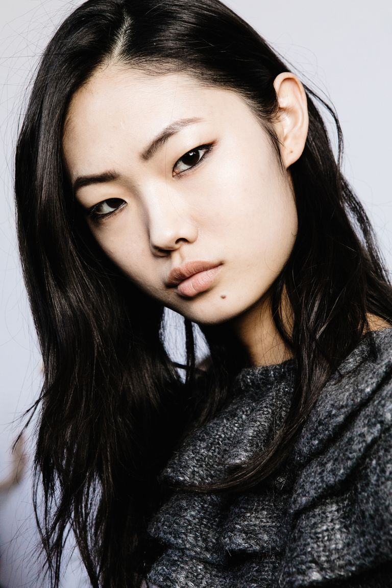 8207ffd990d A Photo Gallery of Hairstyles Flattering on Asian Women