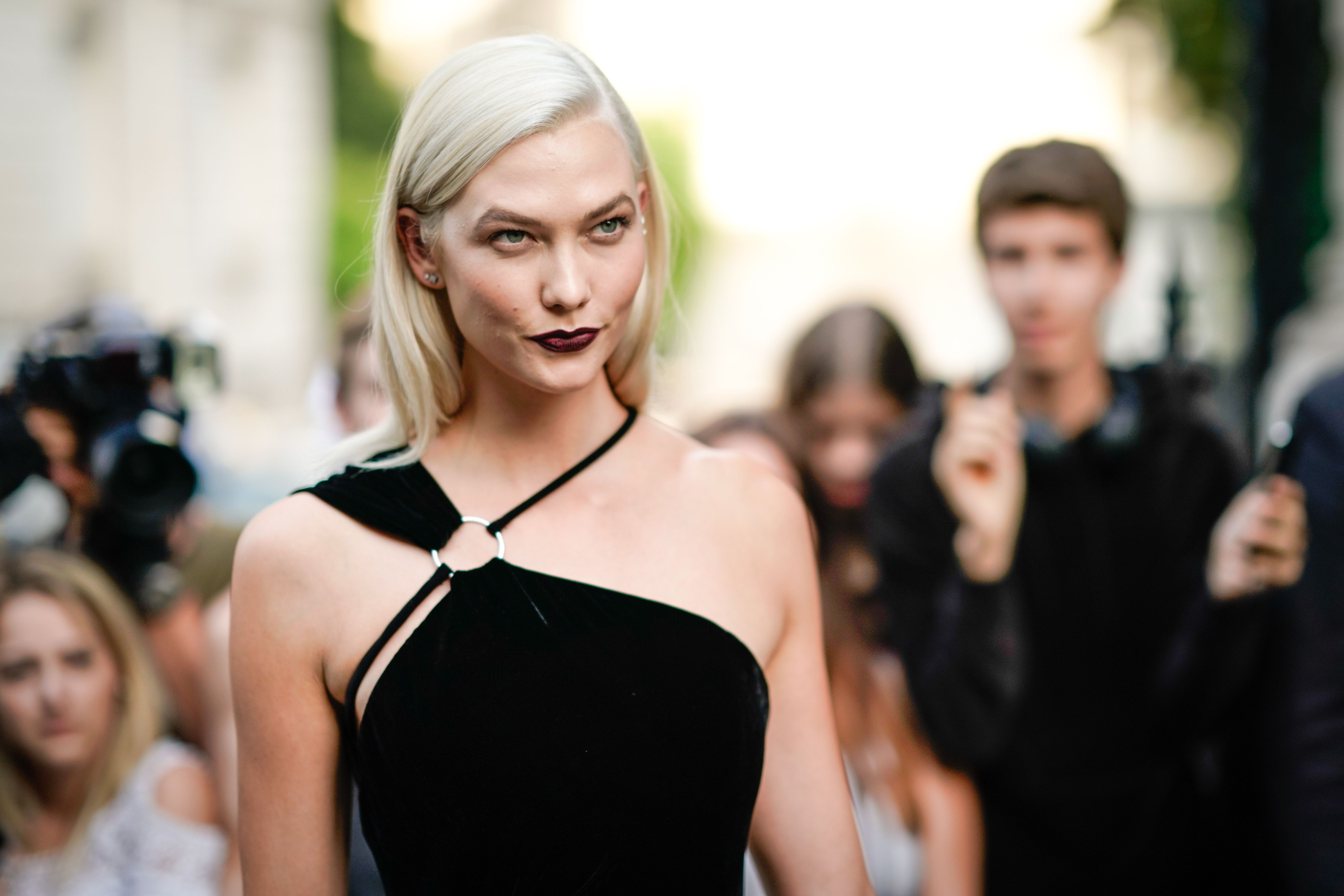 Karlie Kloss—Less Is More in Her Hair and Skincare