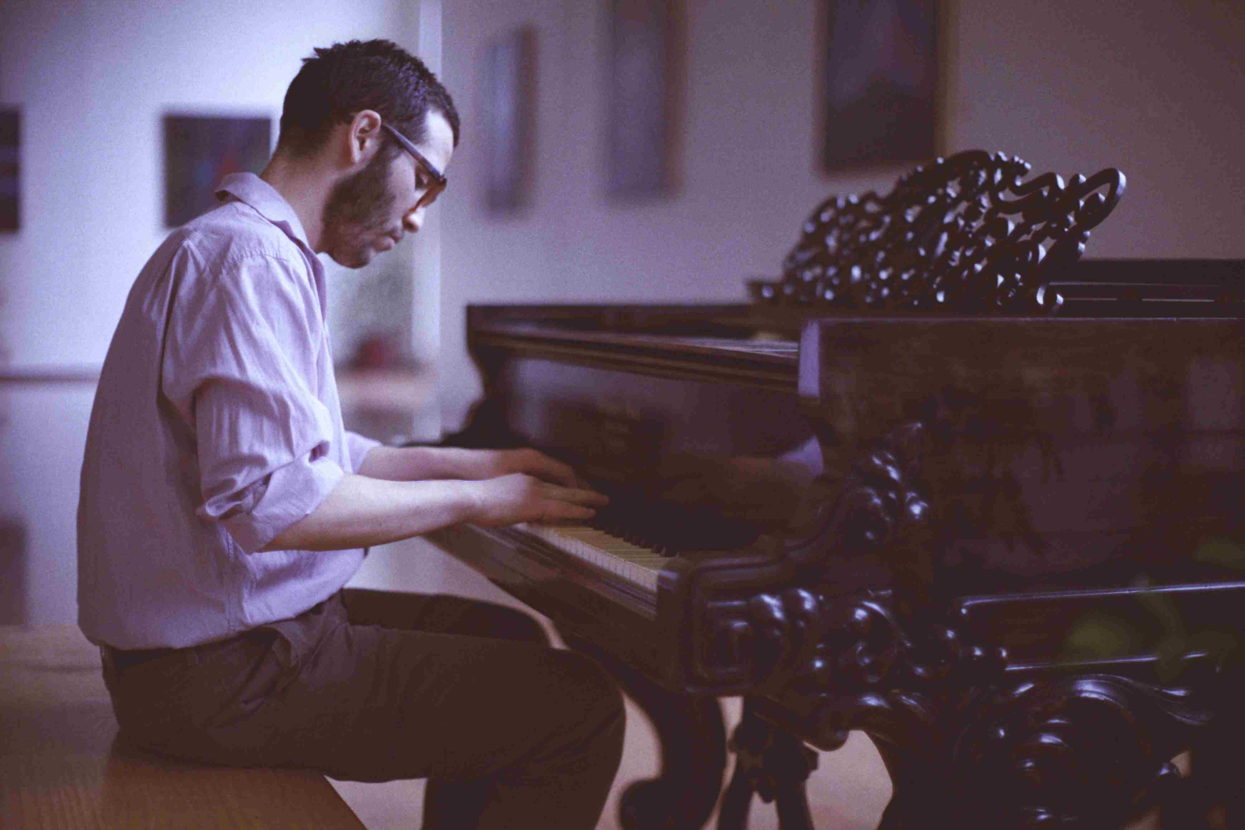 Calming Piano Songs to Listen to for Pain and Heartache