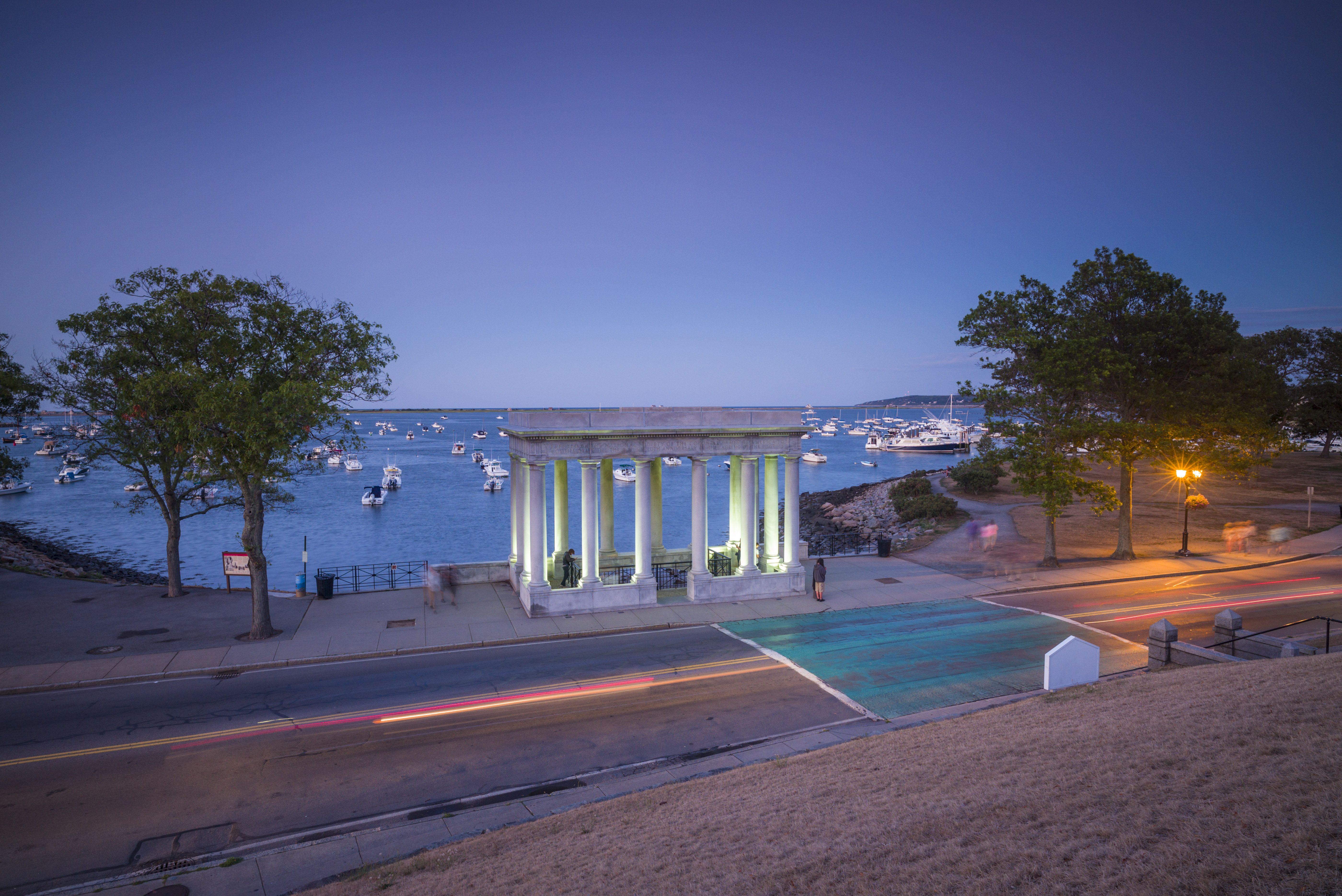 USA, Massachusetts, Plymouth, Plymouth Rock building containing Plymouth Rock, memorial to arrival of first European settlers to Massachusetts in 1620
