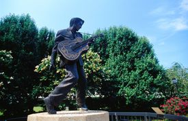 Elvis Presley statue on Beale Street in Memphis, Tennessee