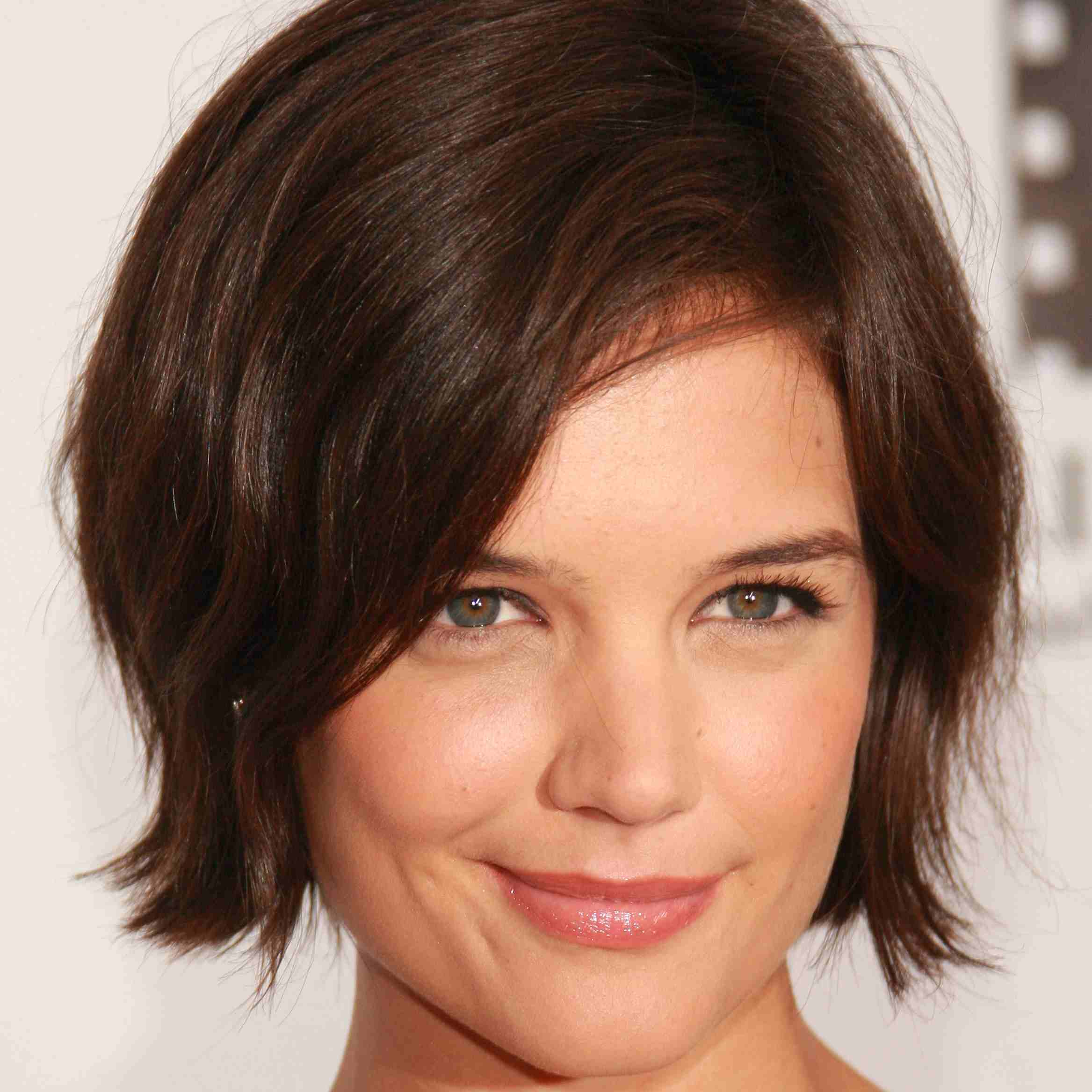 15 Katie Holmes Hairstyles From Long To Short