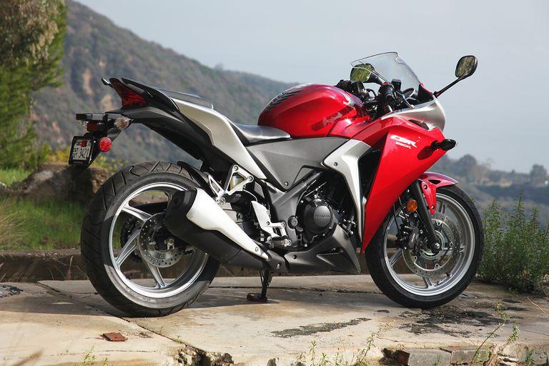 2011 Honda CBR250R Photo Gallery