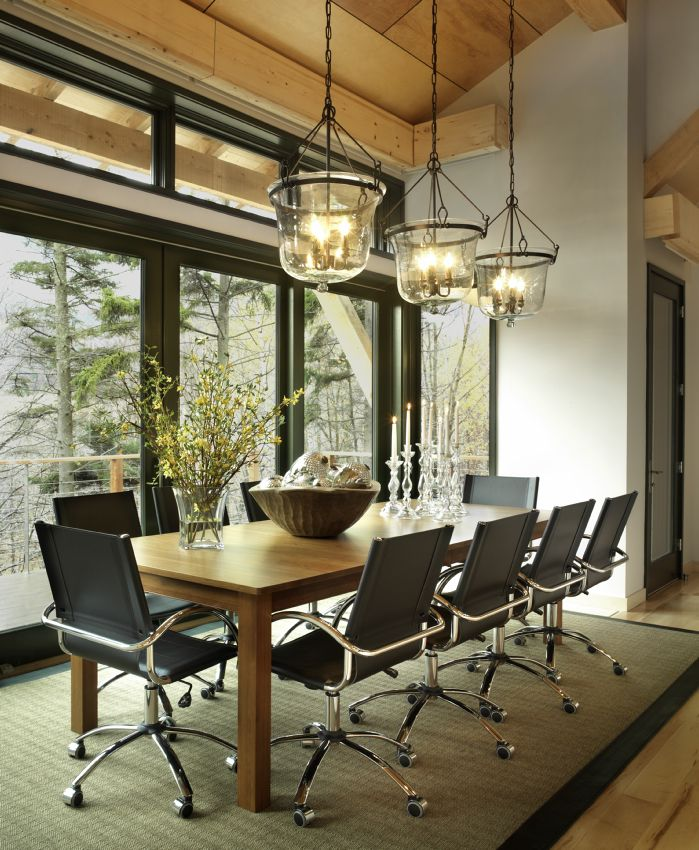 Photo of the HGTV Dream Home 2011's Dining Room.