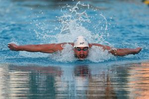Michael Phelps swimming the butterfly