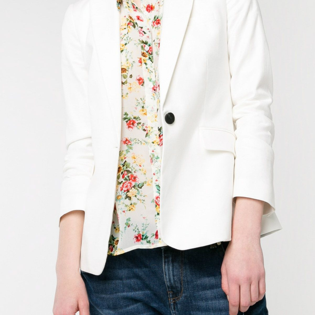 mango-jeans-white-blazer.jpg